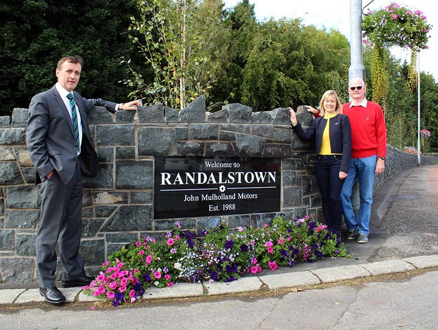 New Wall Drives More Colour for Randalstown